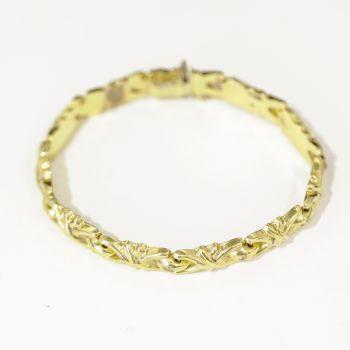 Lovely ornate vintage 18ct gold bracelet.
