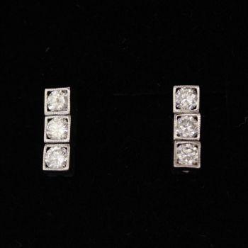 Beautiful Diamond Drop earrings, simple, elegant, suitable for everyday wear