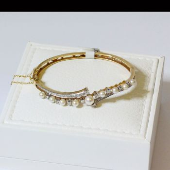 Antique Gold Bangle with Diamonds and Cultured Pearls set in Yellow Gold, Vintage Bangle, Vintage Bracelet, Antique Bracelet, Antique Pearls, Art Deco Bangle, Vintage Bangle, Sydney Jewellery