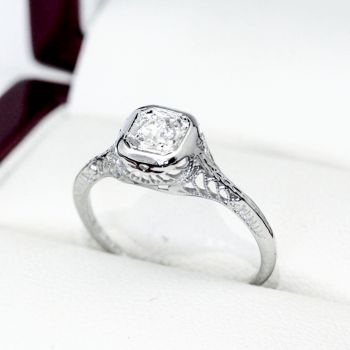 Old European cut Diamond and white gold engagement ring