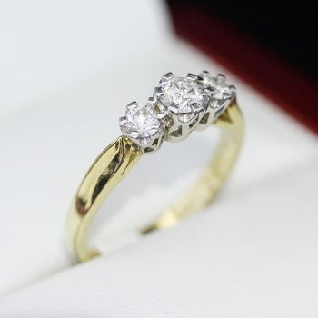 Antique ring or Vintage diamond engagement ring, eternity ring, in 18ct gold.