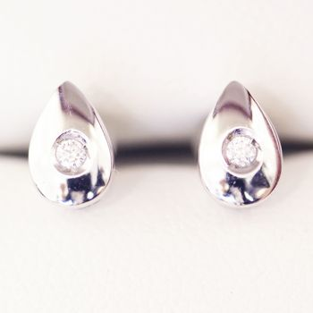Estate age Diamond stud earrings in 18ct white gold teardrop setting