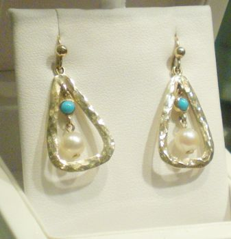 ART DECO 9ct yellow gold 4 stone Turquosie & Cultured Pearl drop earrings.