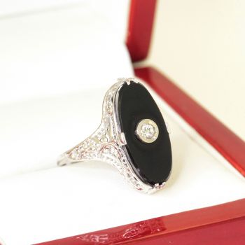 Vintage Onyx Filigree Dress ring in 14ct White Gold, Oval Shaped Natural Onyx Ring