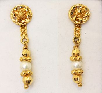 Rare vintage 22ct gold and pearl ornate drop earrings.  Gorgeous!