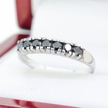 Buy vintage jewellery