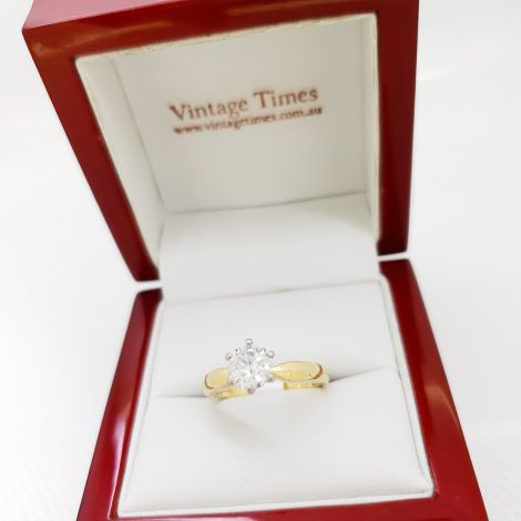 Cheap Engagement Rings, Gay friendly jeweller Sydney, Estate jewellery Sydney, Diamond Engagement Ring, Diamond Solitaire