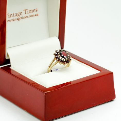 Antique Garnet Ring in Yellow Gold with Oval Shaped Garnet, Dress Ring