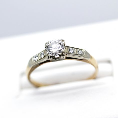 Vintage Engagement ring in yellow gold