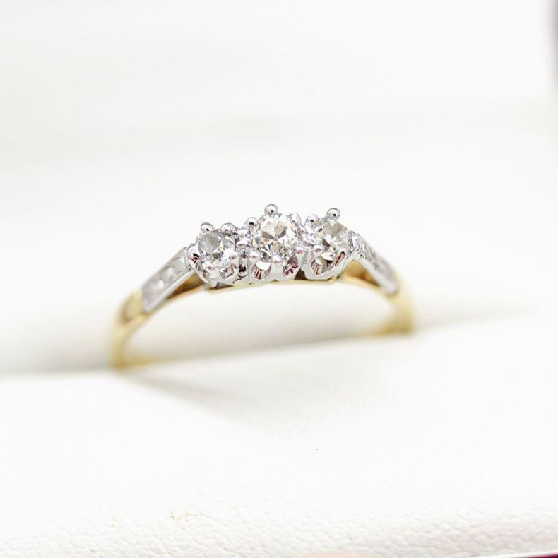 Diamond Ring 18ct Yellow Gold Three Stone Ring Vintage Times